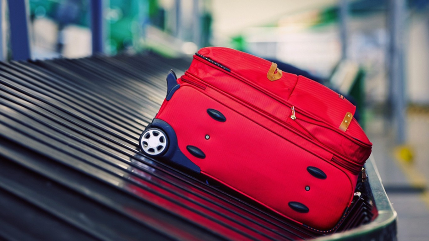 Empresa aérea é condenada a indenizar passageiro por Extravio de Bagagem