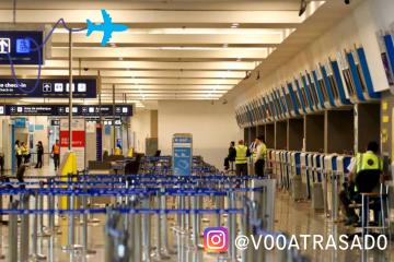 Greve geral paralisa a Argentina e cancela voos no Brasil